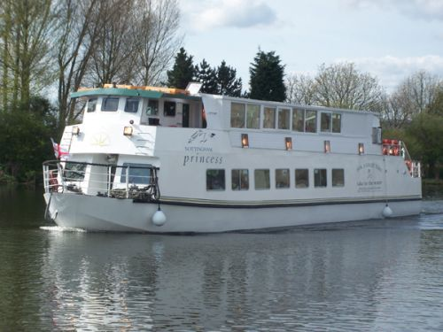 3 hr Cruise on the Nottingham Prince 2 course meal